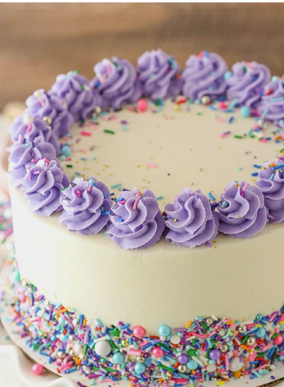 Pineapple designer cake